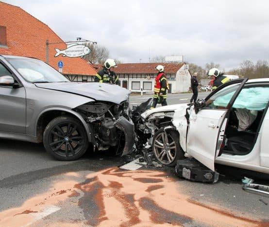Unfall: Zwei Autos stoßen auf B3 bei Edesheim zusammen