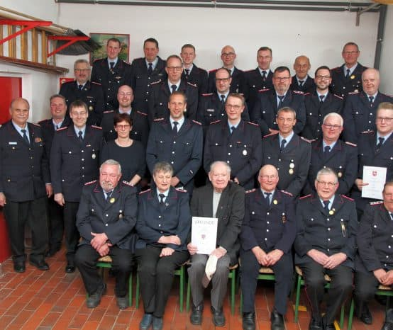 Feuerwehren der Stadt Moringen ehren Mitglieder
