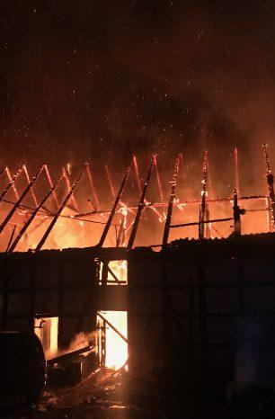Scheune geht in Greene in Flammen auf