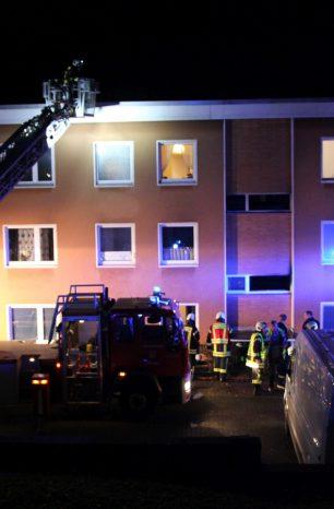 Großeinsatz in Northeim: Bewohner über Leitern vor Feuer gerettet