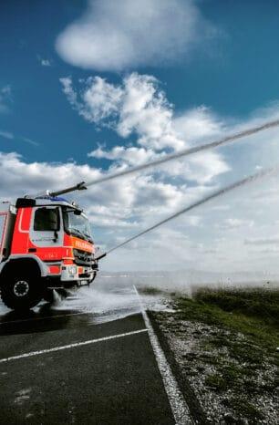 Kassel Airport: So funktioniert ein Flugfeld-Löschfahrzeug