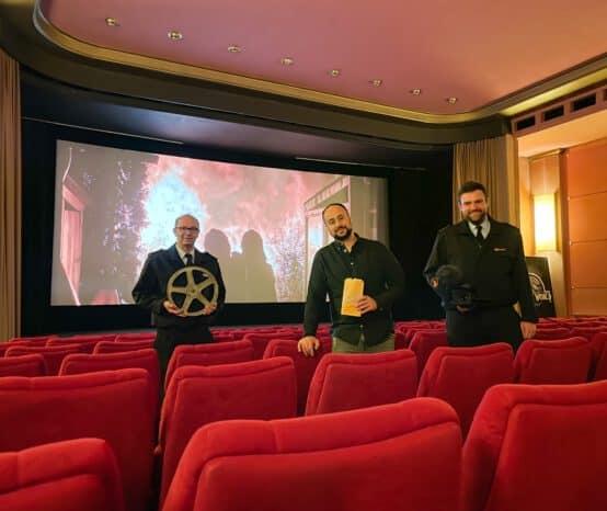 Zum Start von James Bond: Feuerwehr wirbt im Kino um Nachwuchs