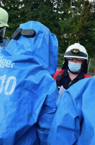Austretender Gefahrstoff – Einsatzübung des Gefahrgutzuges Einbeck in Dassel